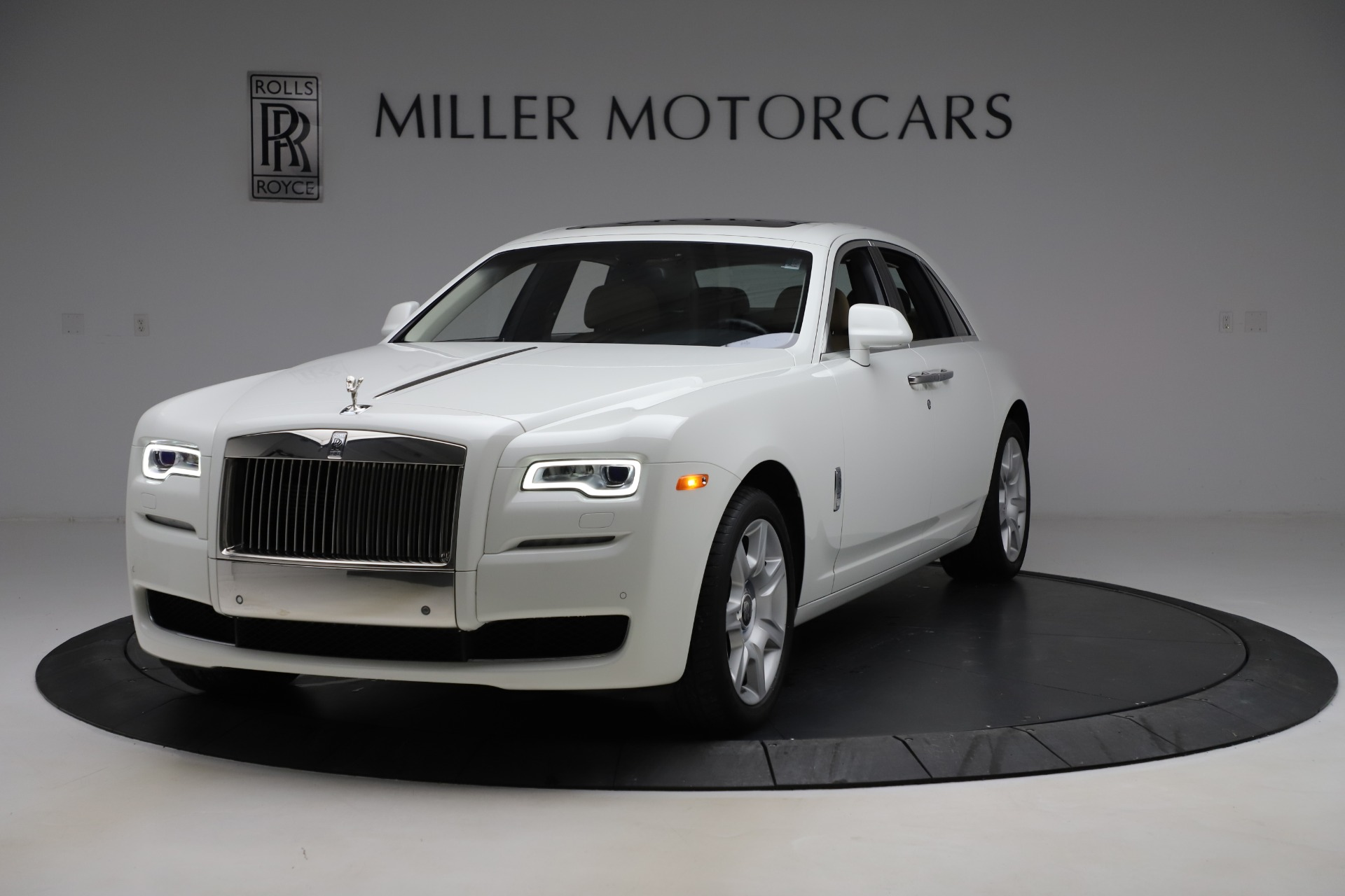 Used 2015 Rolls-Royce Ghost for sale $166,900 at Bugatti of Greenwich in Greenwich CT 06830 1