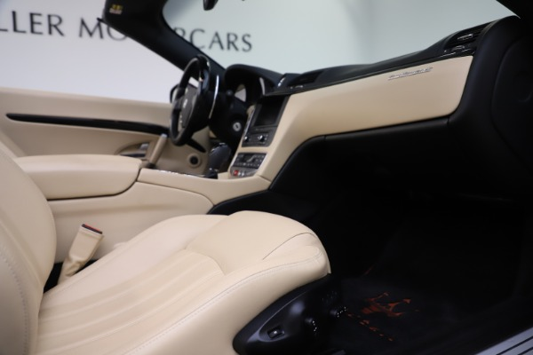 Used 2013 Maserati GranTurismo for sale Sold at Bugatti of Greenwich in Greenwich CT 06830 27