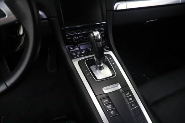 Used 2015 Porsche Cayman S for sale Sold at Bugatti of Greenwich in Greenwich CT 06830 27
