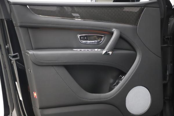 New 2020 Bentley Bentayga V8 Design Series for sale $216,860 at Bugatti of Greenwich in Greenwich CT 06830 17