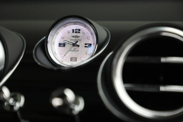 New 2020 Bentley Bentayga V8 Design Series for sale $216,860 at Bugatti of Greenwich in Greenwich CT 06830 24