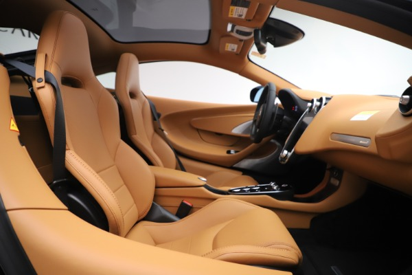 New 2020 McLaren GT Coupe for sale $245,975 at Bugatti of Greenwich in Greenwich CT 06830 15