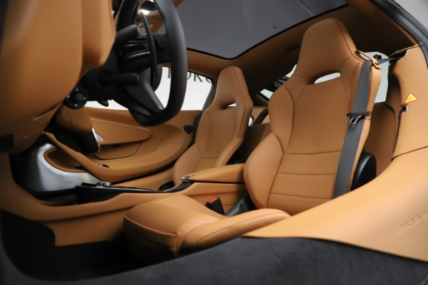 New 2020 McLaren GT Coupe for sale $245,975 at Bugatti of Greenwich in Greenwich CT 06830 18