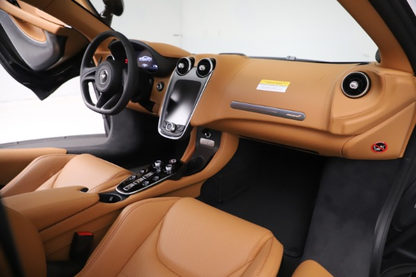 New 2020 McLaren GT Coupe for sale $245,975 at Bugatti of Greenwich in Greenwich CT 06830 20