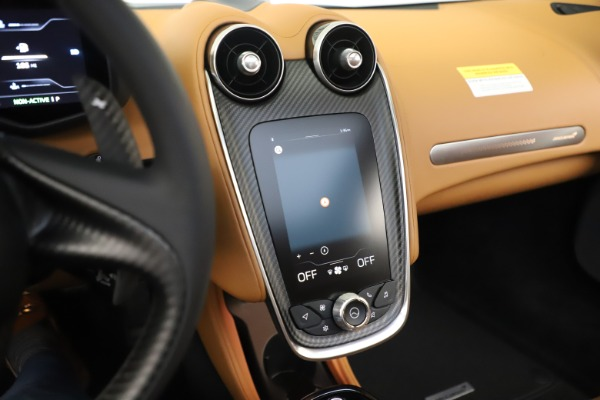 New 2020 McLaren GT Coupe for sale $245,975 at Bugatti of Greenwich in Greenwich CT 06830 25