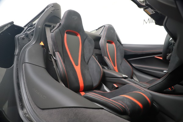 New 2020 McLaren 720S Spider Convertible for sale $383,090 at Bugatti of Greenwich in Greenwich CT 06830 28
