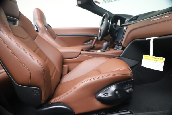 New 2019 Maserati GranTurismo Sport Convertible for sale $165,645 at Bugatti of Greenwich in Greenwich CT 06830 27