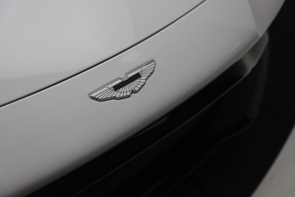 New 2020 Aston Martin Vantage Coupe for sale $190,259 at Bugatti of Greenwich in Greenwich CT 06830 26