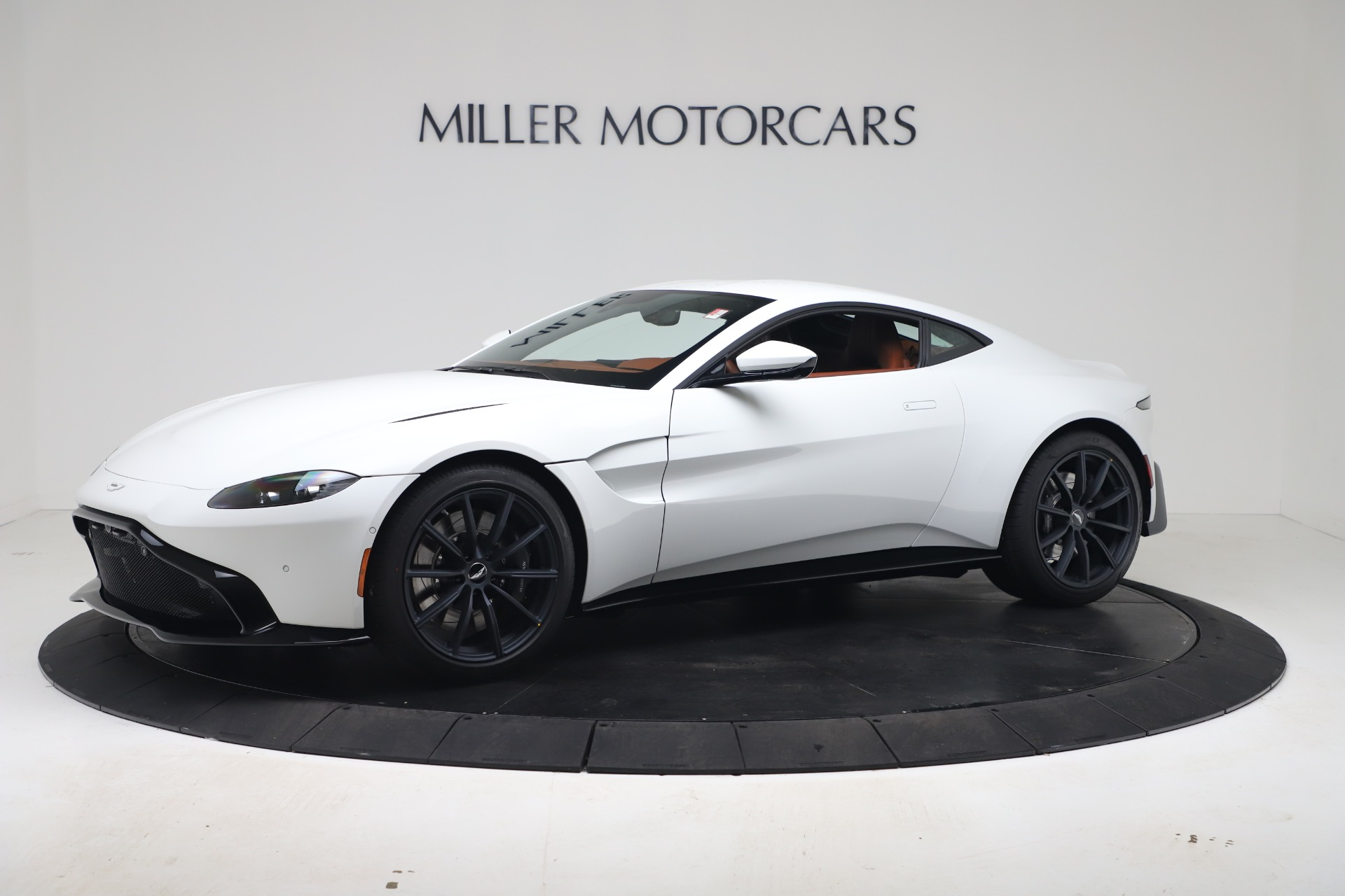 New 2020 Aston Martin Vantage Coupe for sale $190,259 at Bugatti of Greenwich in Greenwich CT 06830 1