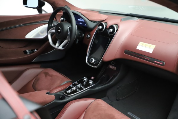 New 2020 McLaren GT Coupe for sale $247,275 at Bugatti of Greenwich in Greenwich CT 06830 18