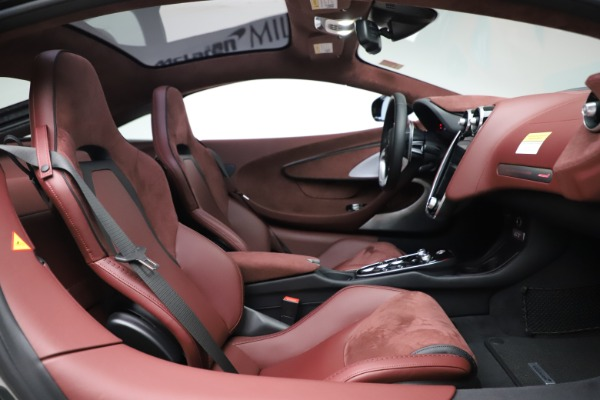 New 2020 McLaren GT Coupe for sale $247,275 at Bugatti of Greenwich in Greenwich CT 06830 19