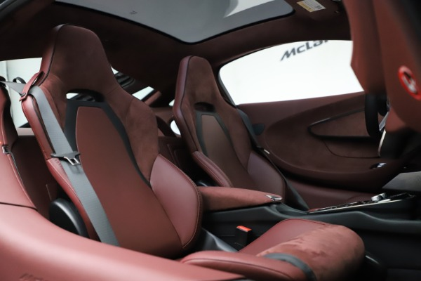 New 2020 McLaren GT Coupe for sale $247,275 at Bugatti of Greenwich in Greenwich CT 06830 20