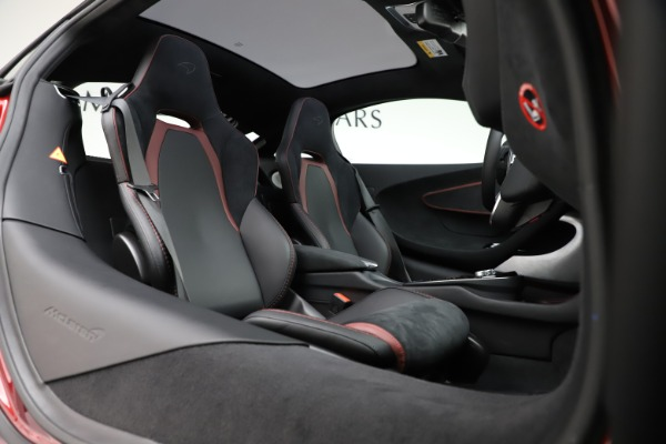 New 2020 McLaren GT Coupe for sale $249,275 at Bugatti of Greenwich in Greenwich CT 06830 17