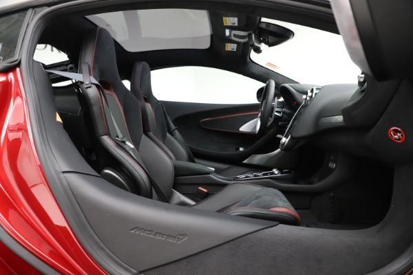 New 2020 McLaren GT Coupe for sale $249,275 at Bugatti of Greenwich in Greenwich CT 06830 18