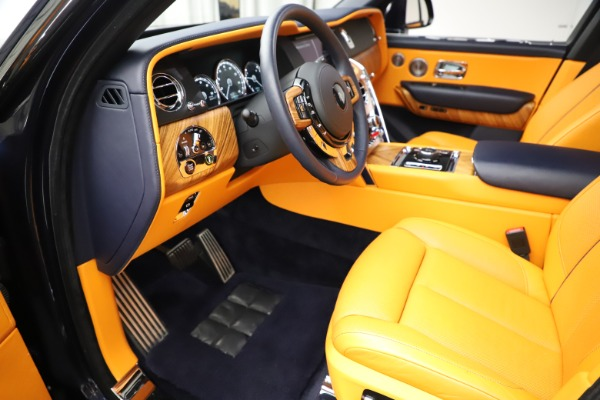 Used 2019 Rolls-Royce Cullinan for sale $349,900 at Bugatti of Greenwich in Greenwich CT 06830 17