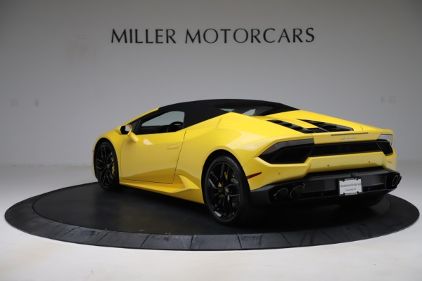 Used 2018 Lamborghini Huracan LP 580-2 Spyder for sale $203,900 at Bugatti of Greenwich in Greenwich CT 06830 14