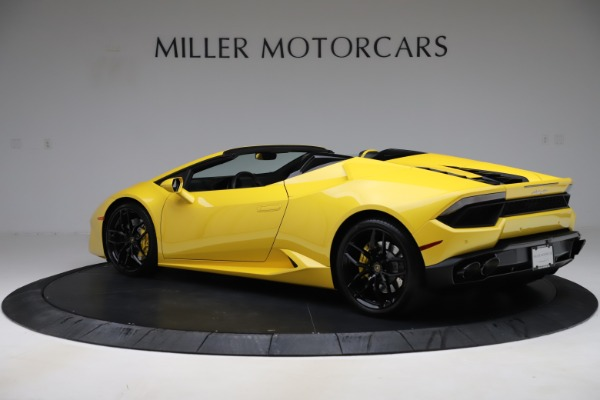 Used 2018 Lamborghini Huracan LP 580-2 Spyder for sale $203,900 at Bugatti of Greenwich in Greenwich CT 06830 4