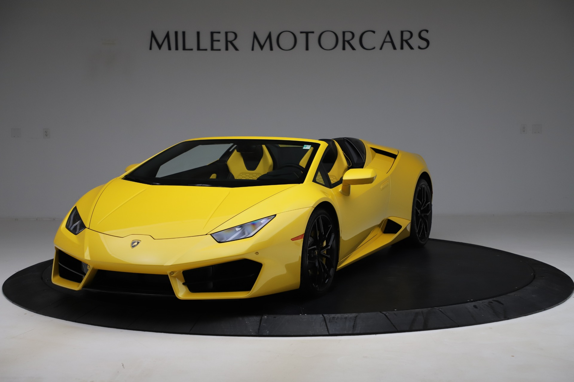 Used 2018 Lamborghini Huracan LP 580-2 Spyder for sale $203,900 at Bugatti of Greenwich in Greenwich CT 06830 1