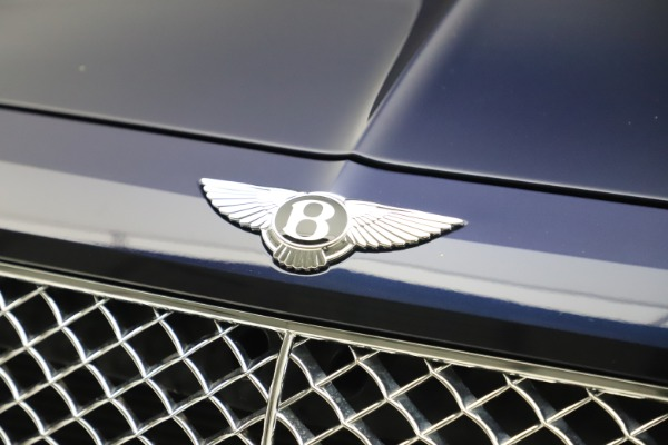 Used 2017 Bentley Bentayga W12 for sale $138,900 at Bugatti of Greenwich in Greenwich CT 06830 14