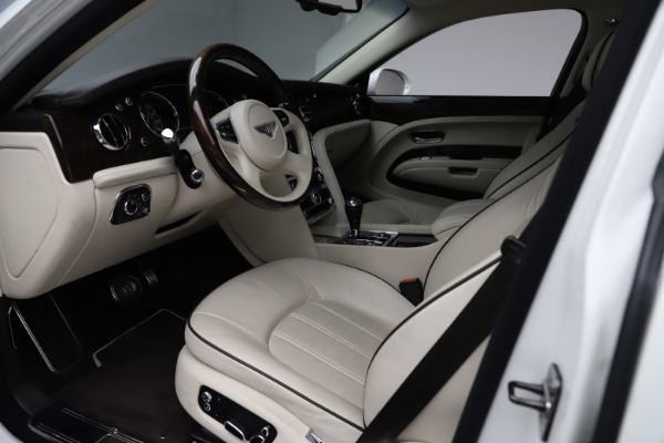 Used 2016 Bentley Mulsanne for sale $149,900 at Bugatti of Greenwich in Greenwich CT 06830 17