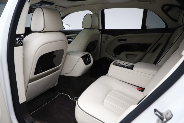 Used 2016 Bentley Mulsanne for sale $149,900 at Bugatti of Greenwich in Greenwich CT 06830 21