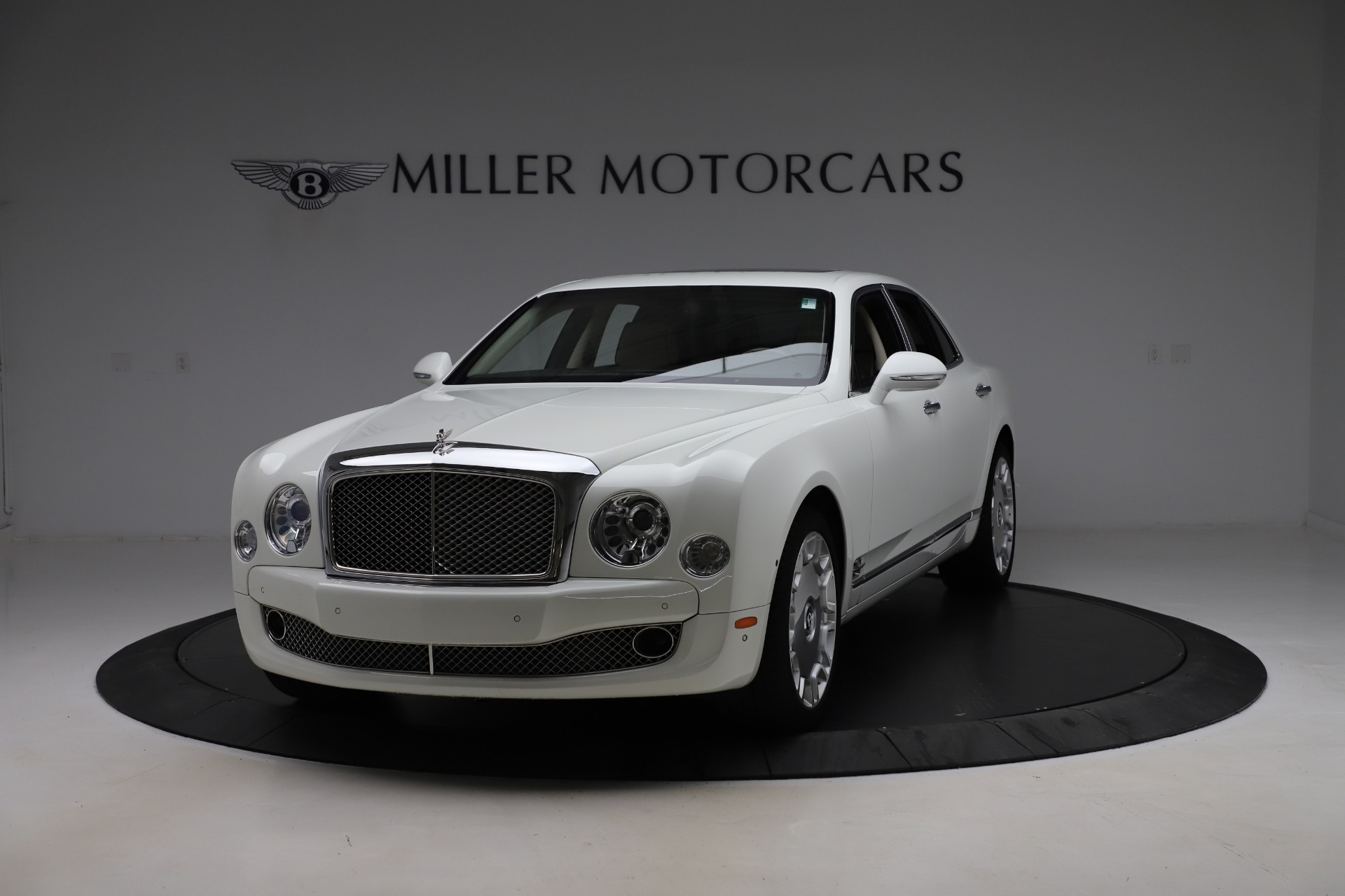 Used 2016 Bentley Mulsanne for sale $149,900 at Bugatti of Greenwich in Greenwich CT 06830 1