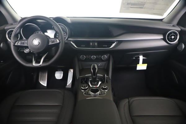 New 2020 Alfa Romeo Stelvio Ti Lusso Q4 for sale $55,790 at Bugatti of Greenwich in Greenwich CT 06830 16