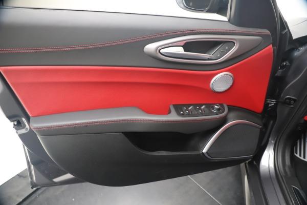 New 2020 Alfa Romeo Giulia Ti Sport Q4 for sale Sold at Bugatti of Greenwich in Greenwich CT 06830 17