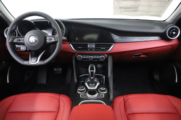 New 2020 Alfa Romeo Giulia Q4 for sale Sold at Bugatti of Greenwich in Greenwich CT 06830 16