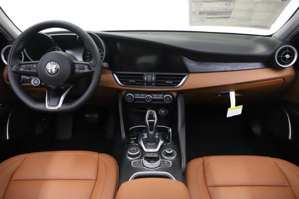 New 2020 Alfa Romeo Giulia Q4 for sale Sold at Bugatti of Greenwich in Greenwich CT 06830 17