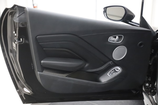 New 2020 Aston Martin Vantage Coupe for sale $184,787 at Bugatti of Greenwich in Greenwich CT 06830 18