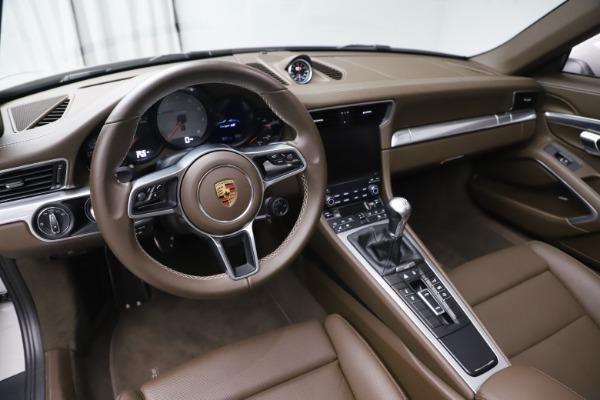 Used 2018 Porsche 911 Targa 4S for sale $134,900 at Bugatti of Greenwich in Greenwich CT 06830 17