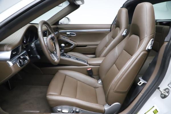 Used 2018 Porsche 911 Targa 4S for sale $134,900 at Bugatti of Greenwich in Greenwich CT 06830 18