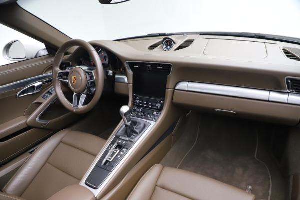 Used 2018 Porsche 911 Targa 4S for sale $134,900 at Bugatti of Greenwich in Greenwich CT 06830 22