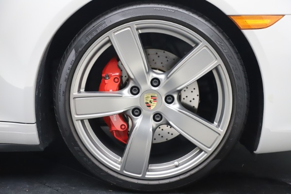 Used 2018 Porsche 911 Targa 4S for sale $134,900 at Bugatti of Greenwich in Greenwich CT 06830 28