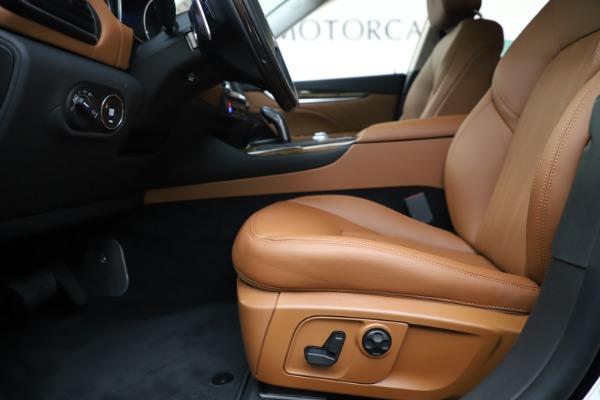 New 2020 Maserati Levante S Q4 GranLusso for sale $94,985 at Bugatti of Greenwich in Greenwich CT 06830 14
