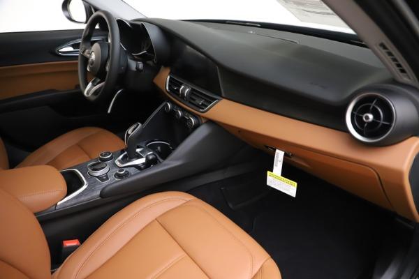 New 2020 Alfa Romeo Giulia Q4 for sale $46,940 at Bugatti of Greenwich in Greenwich CT 06830 22