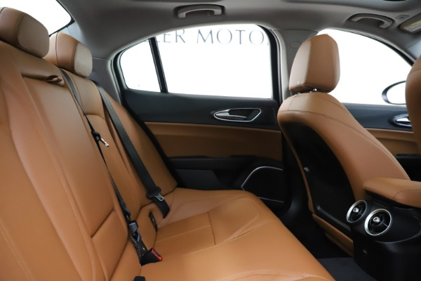 New 2020 Alfa Romeo Giulia Q4 for sale $46,940 at Bugatti of Greenwich in Greenwich CT 06830 27