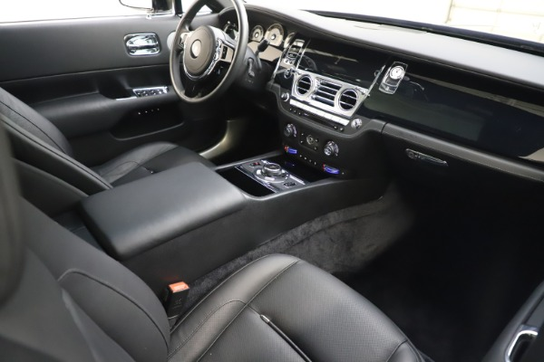 Used 2015 Rolls-Royce Wraith for sale $179,900 at Bugatti of Greenwich in Greenwich CT 06830 19