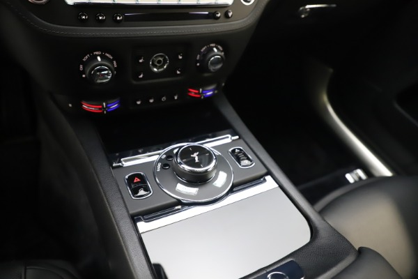 Used 2015 Rolls-Royce Wraith for sale $179,900 at Bugatti of Greenwich in Greenwich CT 06830 21