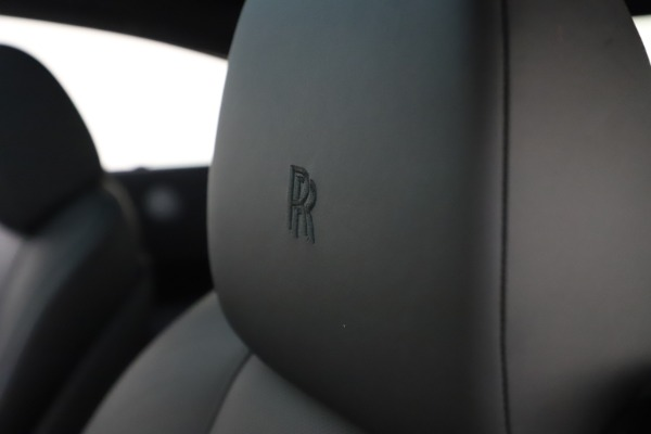Used 2015 Rolls-Royce Wraith for sale $179,900 at Bugatti of Greenwich in Greenwich CT 06830 27
