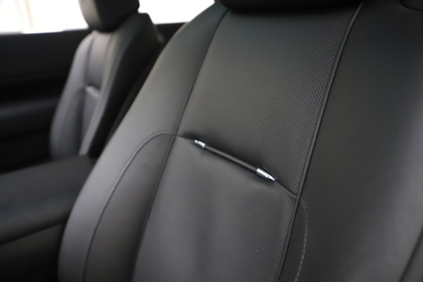 Used 2015 Rolls-Royce Wraith for sale $179,900 at Bugatti of Greenwich in Greenwich CT 06830 28