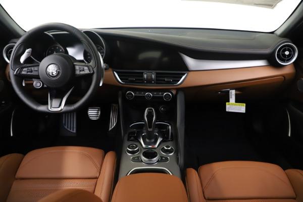 New 2020 Alfa Romeo Giulia Ti Sport Q4 for sale $53,190 at Bugatti of Greenwich in Greenwich CT 06830 16