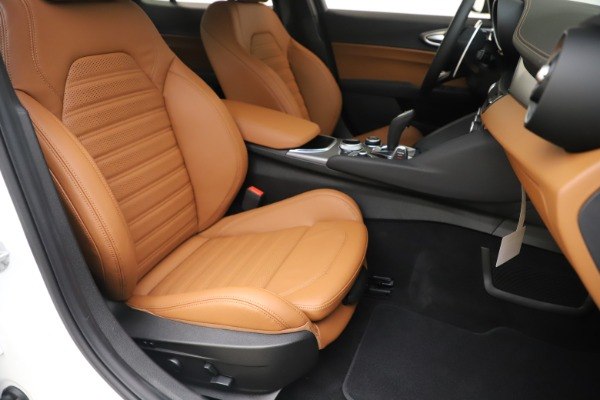 New 2020 Alfa Romeo Giulia Ti Sport Q4 for sale $53,190 at Bugatti of Greenwich in Greenwich CT 06830 24