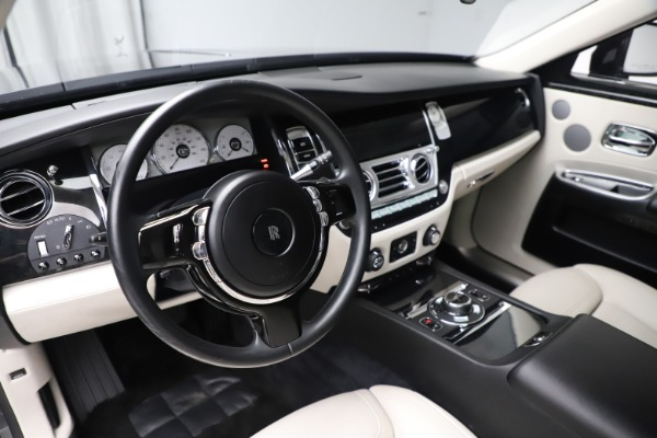 Used 2016 Rolls-Royce Ghost for sale $179,900 at Bugatti of Greenwich in Greenwich CT 06830 16