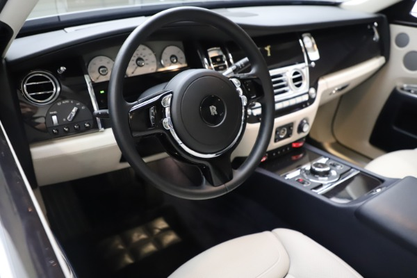 Used 2015 Rolls-Royce Ghost for sale $157,900 at Bugatti of Greenwich in Greenwich CT 06830 19