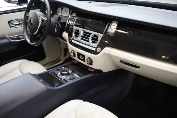 Used 2015 Rolls-Royce Ghost for sale $157,900 at Bugatti of Greenwich in Greenwich CT 06830 20