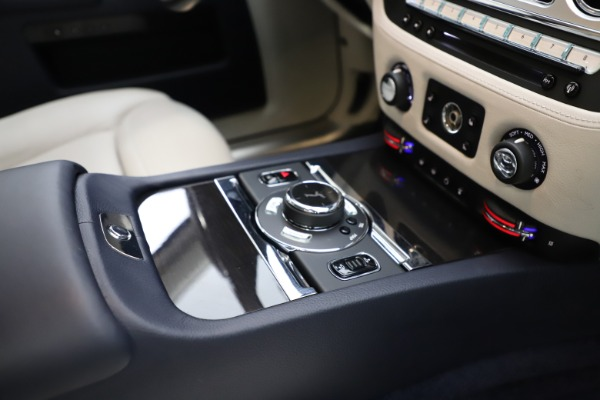 Used 2015 Rolls-Royce Ghost for sale $157,900 at Bugatti of Greenwich in Greenwich CT 06830 22