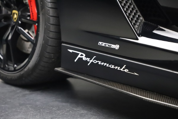 Used 2013 Lamborghini Gallardo LP 570-4 Spyder Performante for sale $229,900 at Bugatti of Greenwich in Greenwich CT 06830 28
