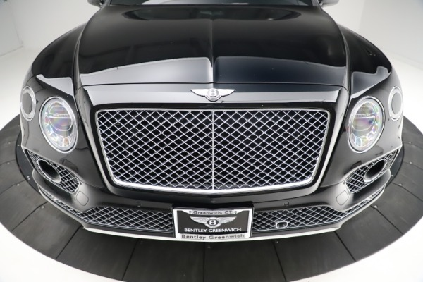 Used 2017 Bentley Bentayga W12 for sale $139,900 at Bugatti of Greenwich in Greenwich CT 06830 13